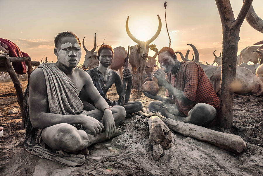 Mundari people in the cattle camp at sunrise (Terekeka, South Sudan).