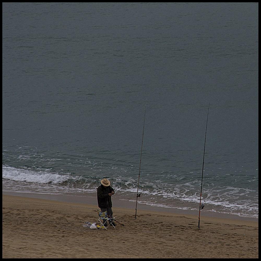 Fisherman fishing. Elena Díaz