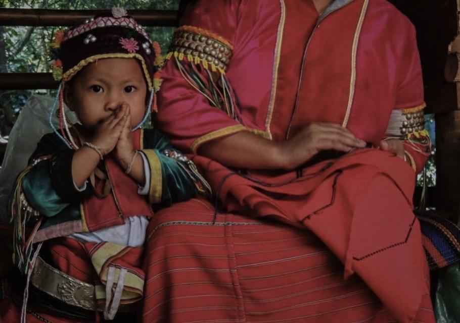 Karen hill tribe, A moment of gratitude. Anja Papuga